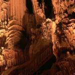 Kalkstensgrotta i Grottes des Demoiselles i södra Frankrike.